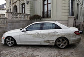 Water damaged car in the aftermath of Hurricane Sandy in Far Rockaway, NY — Stock Photo