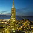 Areal view on Transamerica pyramid and city of San Francisco at dusk — Stock Photo