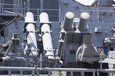 在舰队周 2012年鱼叉巡航导弹发射器甲板上的我们海军驱逐舰 — 图库照片