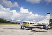 St Barth commuter aircraft ready to take off at St Barths airport — Stock Photo
