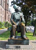 Hans christian andersen la estatua en copenhague — Foto de Stock
