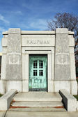 Mausoleum at the Washington Jewish cemetery in Brooklyn, New York — Stock Photo