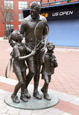 Tennis statue at Billie Jean King National Tennis Center in Flushing, NY — Stock Photo