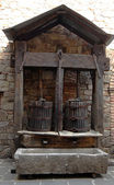 Wine press basket style made in 1780 originated from rural Tuscany — Stock Photo