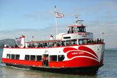 Röda och vita flottan båt dockning på piren 43 och en halv i fishermans wharf — Stockfoto