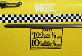 New york city taxi tarieven sticker. dit percentage was in feite van april 1980 tot juli 1984. — Stockfoto