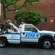 NYPD tow truck in Brooklyn, NY — Stock Photo