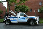 NYPD tow truck in Brooklyn, NY — Stock Photo