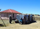 Unidentified family at Sani Pass, Lesotho at altitude of 2 874m — Stock Photo