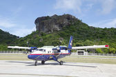 Winair DHC-6 aircraft ready to take off at St Barts airport — Stock Photo