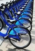 Estación de bicicletas citi lista para hacer negocios en nueva york — Foto de Stock