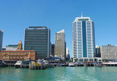 Auckland harbor and Downtown Ferry Terminal — Stock Photo