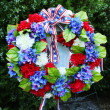 Memorial Day wreath of flowers — Stock Photo