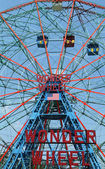 Wonder Wheel at the Coney Island amusement park — Stock Photo