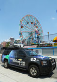 CBS Channel 2 mobile weather lab in Brooklyn, NY — Stock Photo