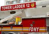 FDNY Tower Ladder 12 truck in Manhattan — Stock Photo