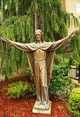 бронзовая статуя иисуса христа — Стоковое фото