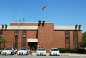Police cars in the front of NYPD 61st Precinct in Brooklyn , NY — Stock Photo