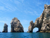 Los Arcos or Land's end is a popular tourist attraction at Cabo San Lucas in Mexico — Stock Photo
