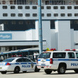 Port Authority Police New York New Jersey providing security for Queen Mary 2 cruise ship docked at Brooklyn Cruise Terminal — Stock Photo