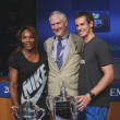 US Open 2012 champions SerenWilliams and Andy Murray with USTExecutive Director Gordon Smith at 2013 US Open Draw Ceremony — Stockfoto #30282953