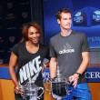 US Open 2012 champions SerenWilliams and Andy Murray with US Open trophies at 2013 US Open Draw Ceremony — Stockfoto #30282973