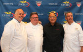 Celebrity chefs David Burke, Tony Mantuano , Masaharu Morimoto and Jim Abbey during US Open food tasting preview — Stock Photo