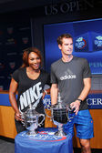 US Open 2012 champions Serena Williams and Andy Murray with US Open trophies at the 2013 US Open Draw Ceremony — Stock Photo