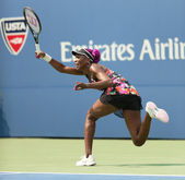 Nine times Grand Slam champion Venus Williams during her first round match at US Open 2013 — Stock Photo