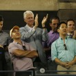 President Clinton applauding to seventeen times Grand Slam champion and US Open 2013 champion Serena Williams after her final match win — Foto de Stock