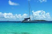 The Moorings charter yacht near Tortola, British Virgin Islands — Stock Photo