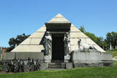 Mausoleum at the Green-Wood cemetery in Brooklyn — Stock Photo