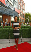TV anchor Robin Roberts at the red carpet before US Open 2013 opening night ceremony — Stock Photo