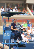 Chair umpire during first round match between Venus Williams and Kirsten Flipkens at US Open 2013 — Stock Photo