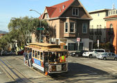 The famous cable car in San Francisco — Stock Photo