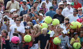 Tennis fans waiting for autographs at Billie Jean King National Tennis Center — Stock Photo