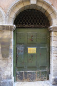 Entrance door to the Long Traboule in Vieux Lyon, France — Stock Photo