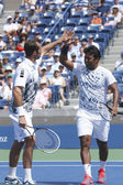 US Open 2013 men doubles champions Radek Stepanek from Czech Republic and Leander Paes from India during semifinal match at Arthur Ashe Stadium — Foto de Stock