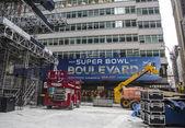 Super Bowl Boulevard construction underway on Broadway during Super Bowl XLVIII week in Manhattan — Stock Photo