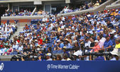 Professional photographers and spectators during US Open 2013 at the Arthur Ashe Stadium at Billie Jean King National Tennis Center — Stock Photo
