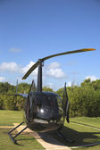 Vrtulník robinson r44 od cana létat v punta cana, Dominikánská republika — Stock fotografie