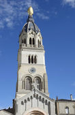 Statue of Mary on top of Chapel de la Vierge at Basilica of Notre Dame de Fourviere in Lyon — Stock Photo