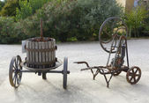 Old wine press at the vineyard in Provence, France — Stock Photo