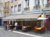 Traditional bouchon restaurant in Vieux Lyon, France — Stock Photo