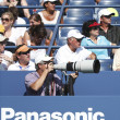 Foto Stock: Professional photographer and spectators during US Open 2013 at Billie JeKing National Tennis Center