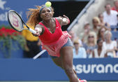 Grand Slam champion Serena Williams during fourth round match at US Open 2013 against Sloane Stephens at Billie Jean King National Tennis Center — ストック写真