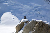 AUGUILLE DU MIDI, FRANCE -OCTOBER 9:Unidentified climbers instructor at the mountain top station of the Aiguille du Midi  in French Alps — Stock Photo