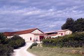 Adega de Chateau la dorgonne em provence, França — Fotografia Stock