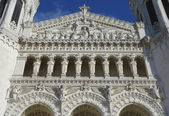 The Basilica of Notre-Dame de Fourviere Facade in Lyon — Stock Photo