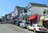 Lobster restaurants and souvenir shops in historic Bar Harbor, Maine — Stock Photo